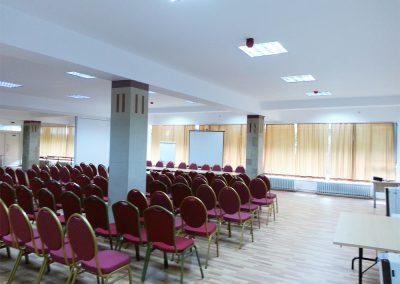 sala conferinta caciulata
