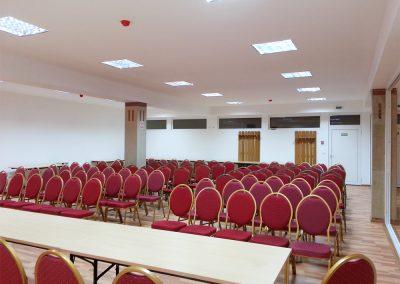 sala conferinta mare caciulata